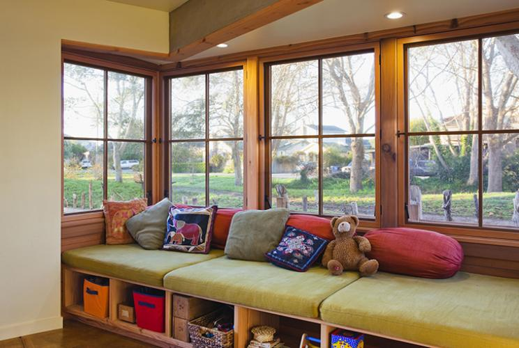 santa cruz straw bale window seat